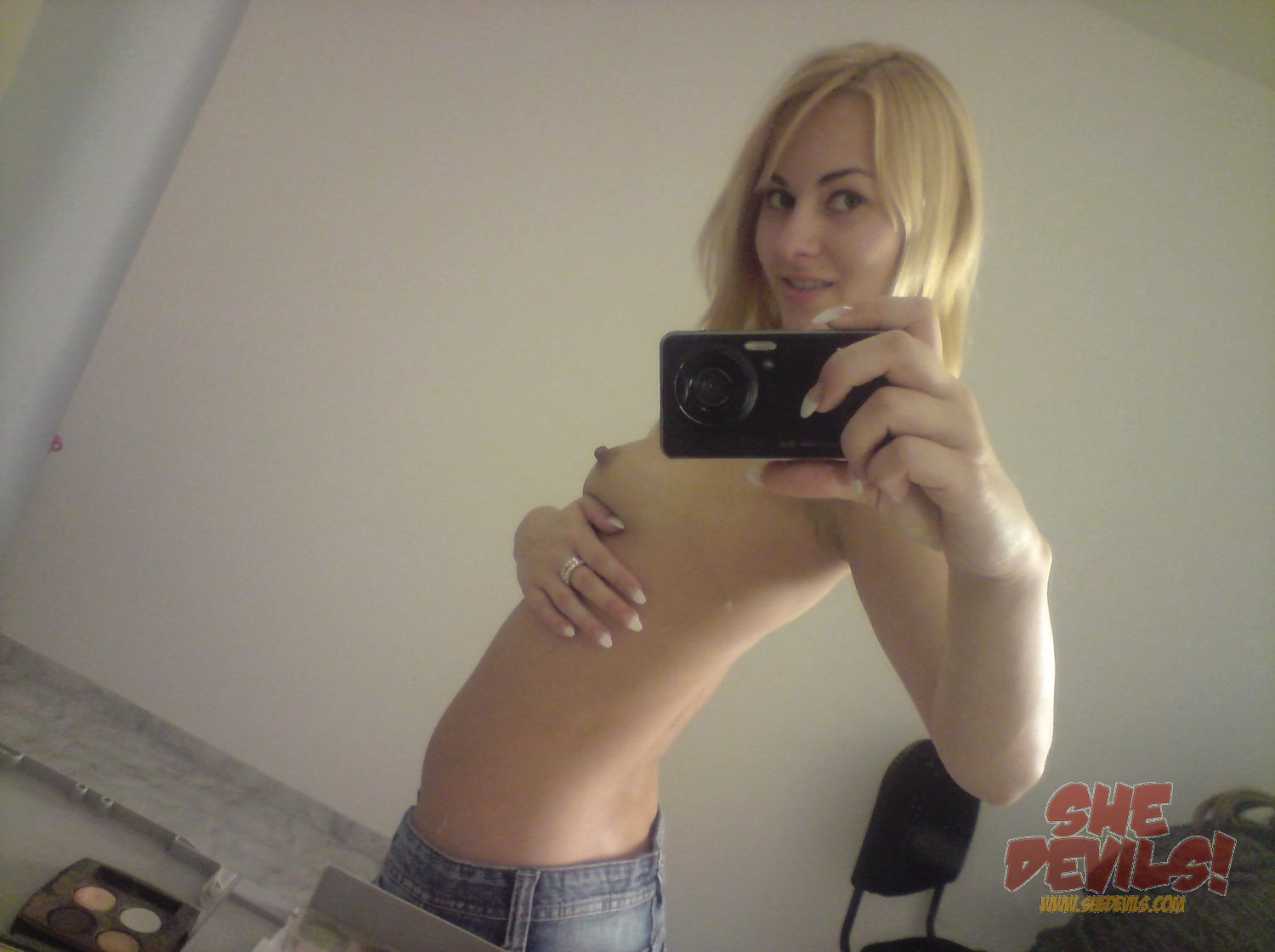 young selfies naked Porn Gallery: Cute Young Blonde Self Shooter Hot Crazy Girls - XHorde.Com -  Porn Photos & Galleries